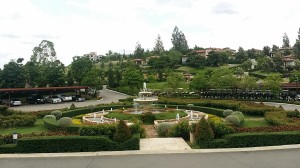 フロントの手前の風景。山と谷にはそれぞれの美しさが表現されているのです